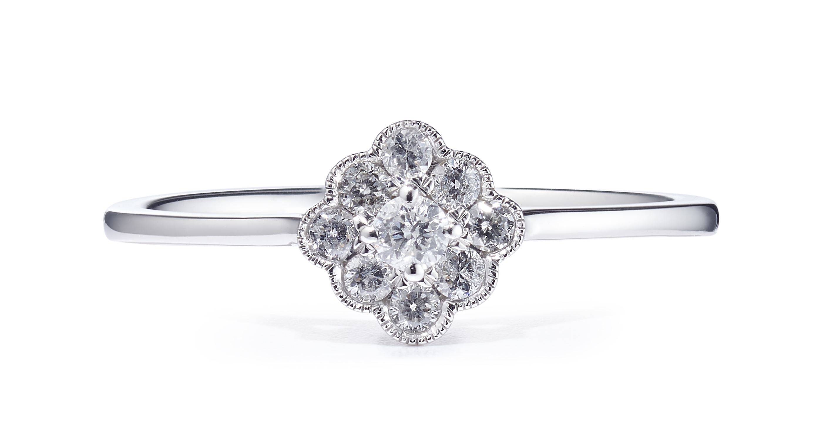 18ct White Gold Diamond Cluster Design Ring