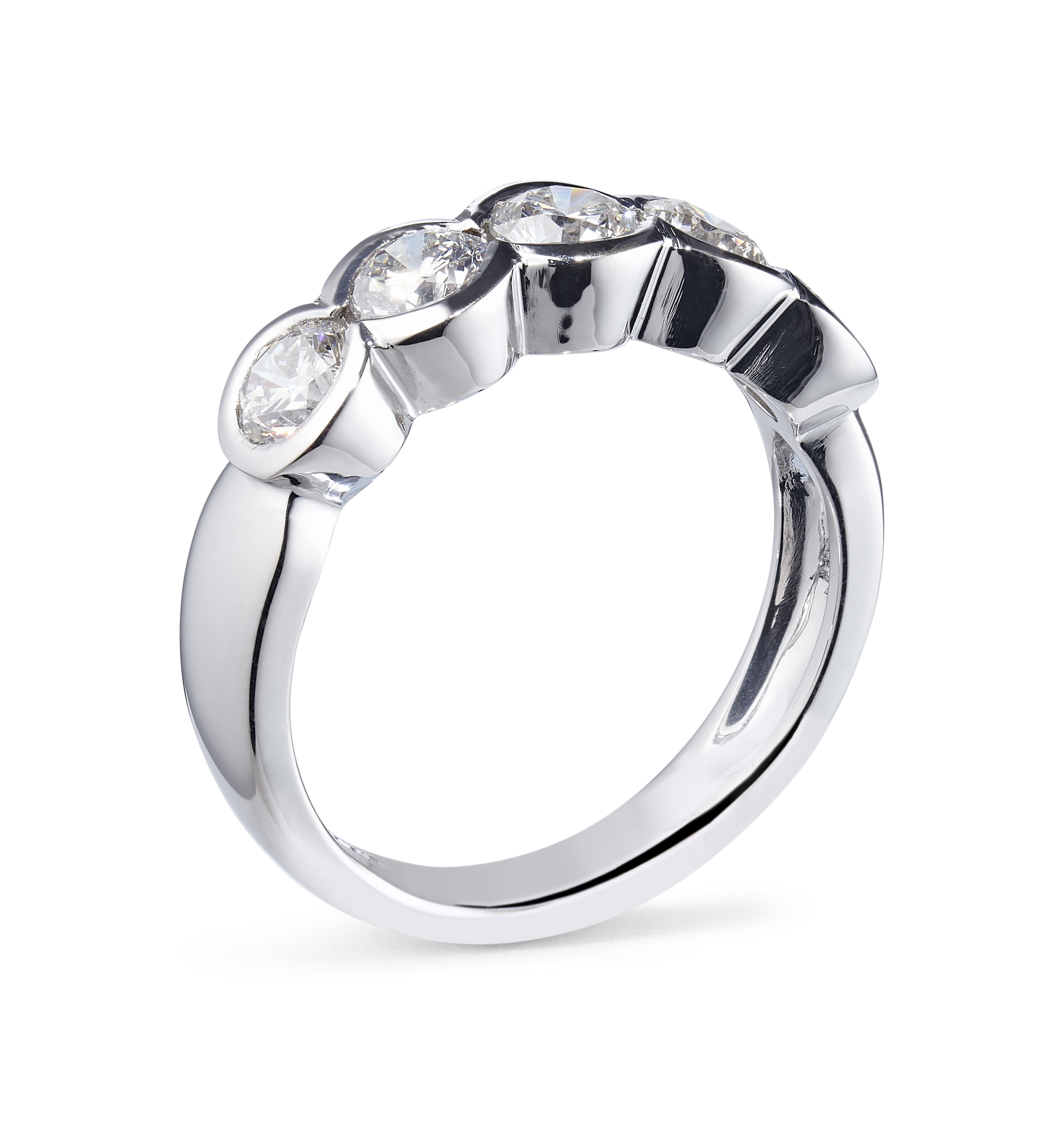 1.35ct 18ct White Gold 5 Stone Rubover Diamond Ring