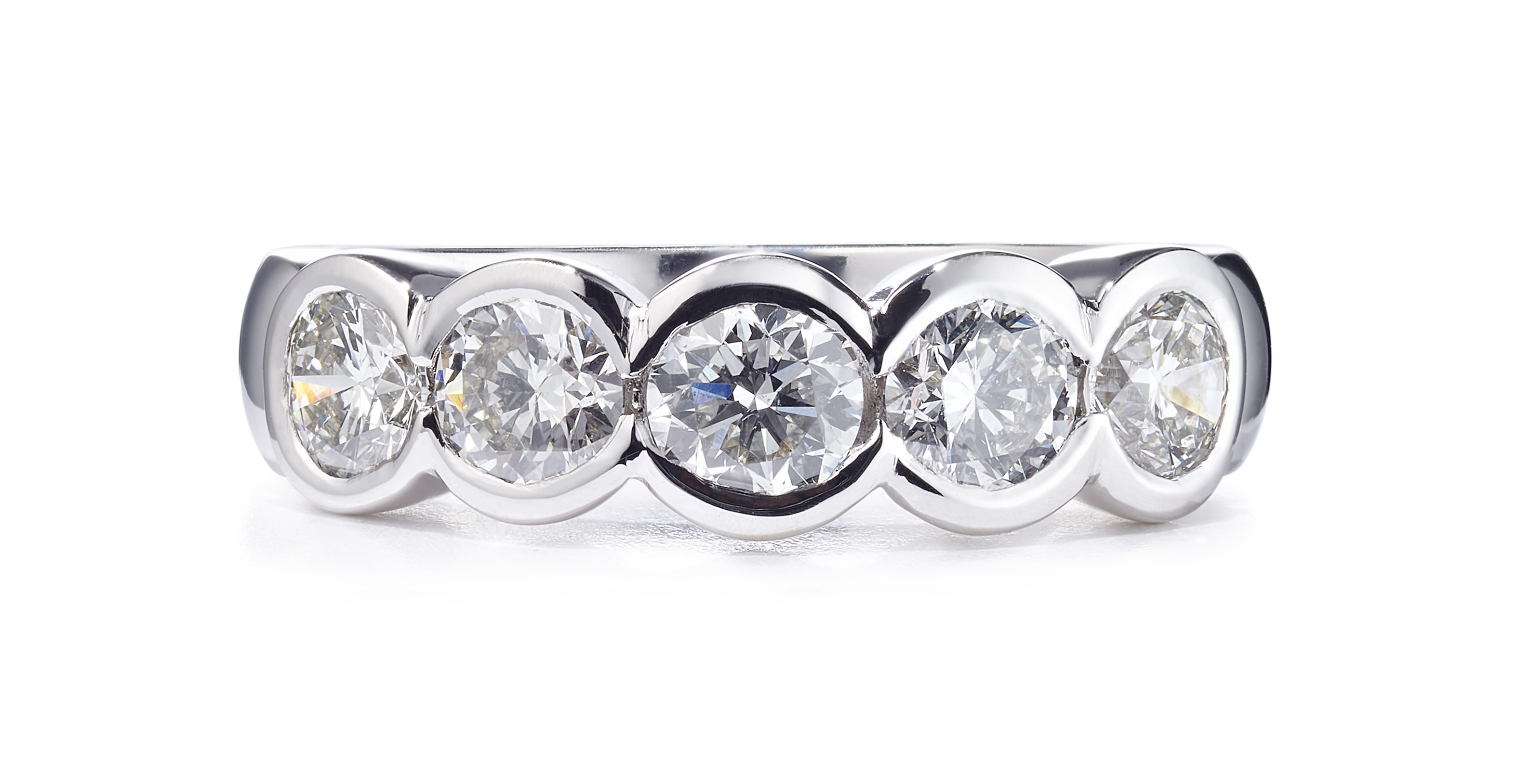 1.66ct 18ct White Gold 5 Stone Rubover Diamond Ring